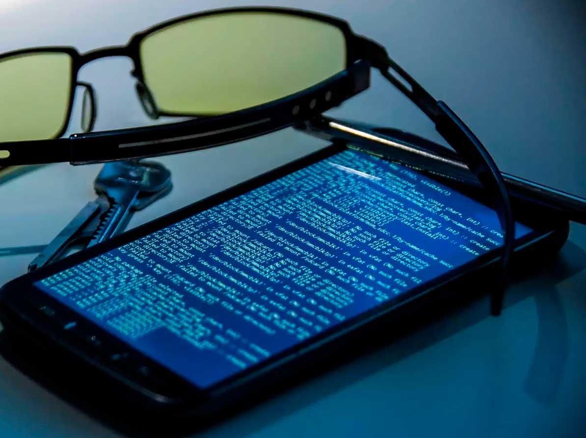 Mejor software espía de teléfono celular comentarios 2020